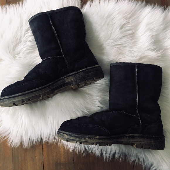 reputable site 7a672 1fe08 UGG BOOTS Women's 10 Black Ultra Short 5225
